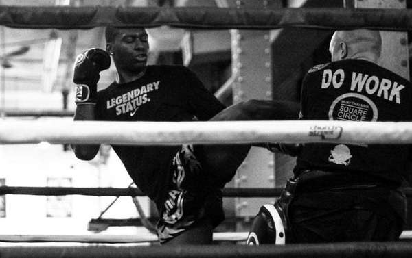 Wayne Barrett in training for a Glory Kickboxing