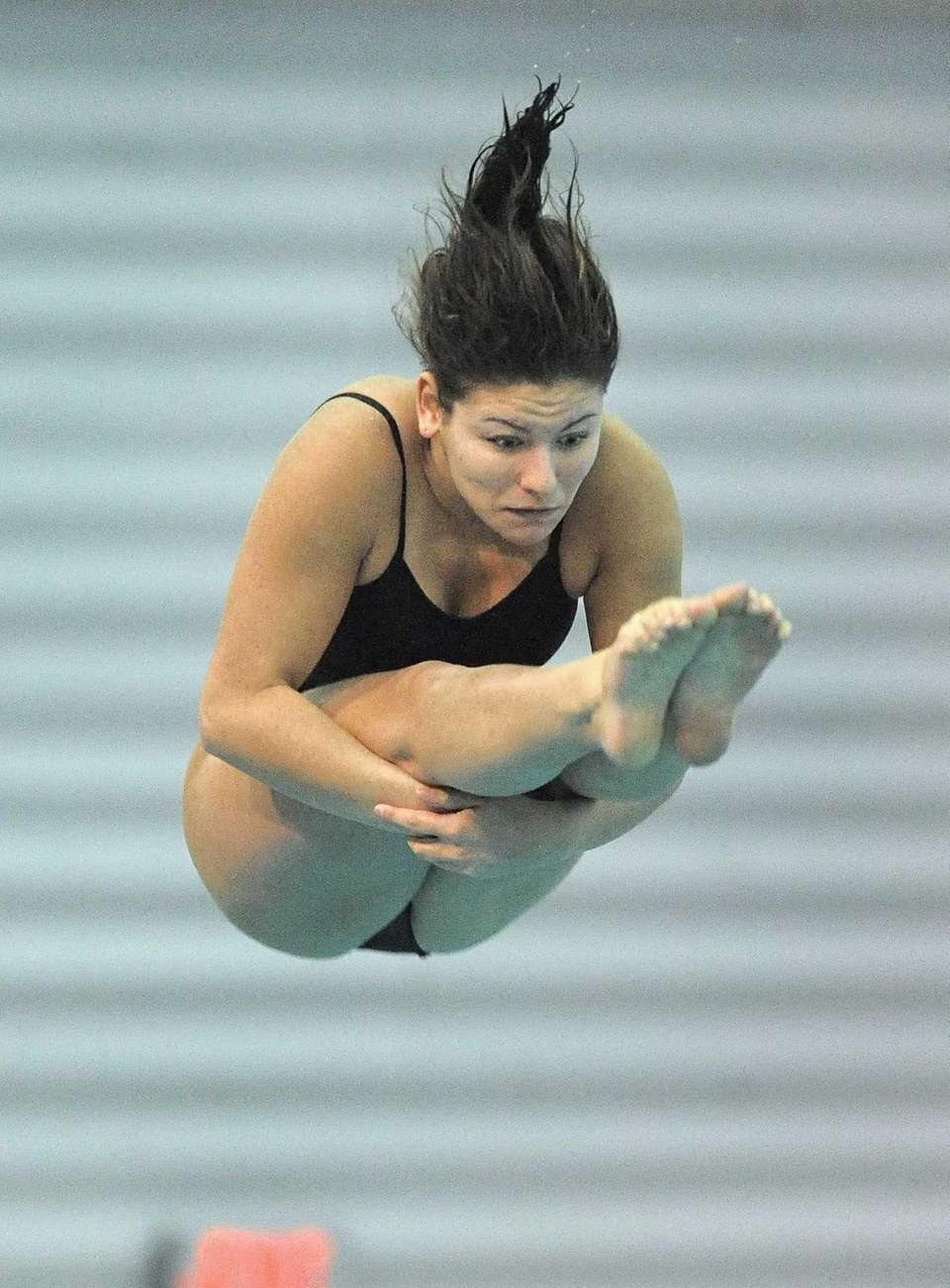 Wantagh's Victoria Zozzarro performs a dive during the