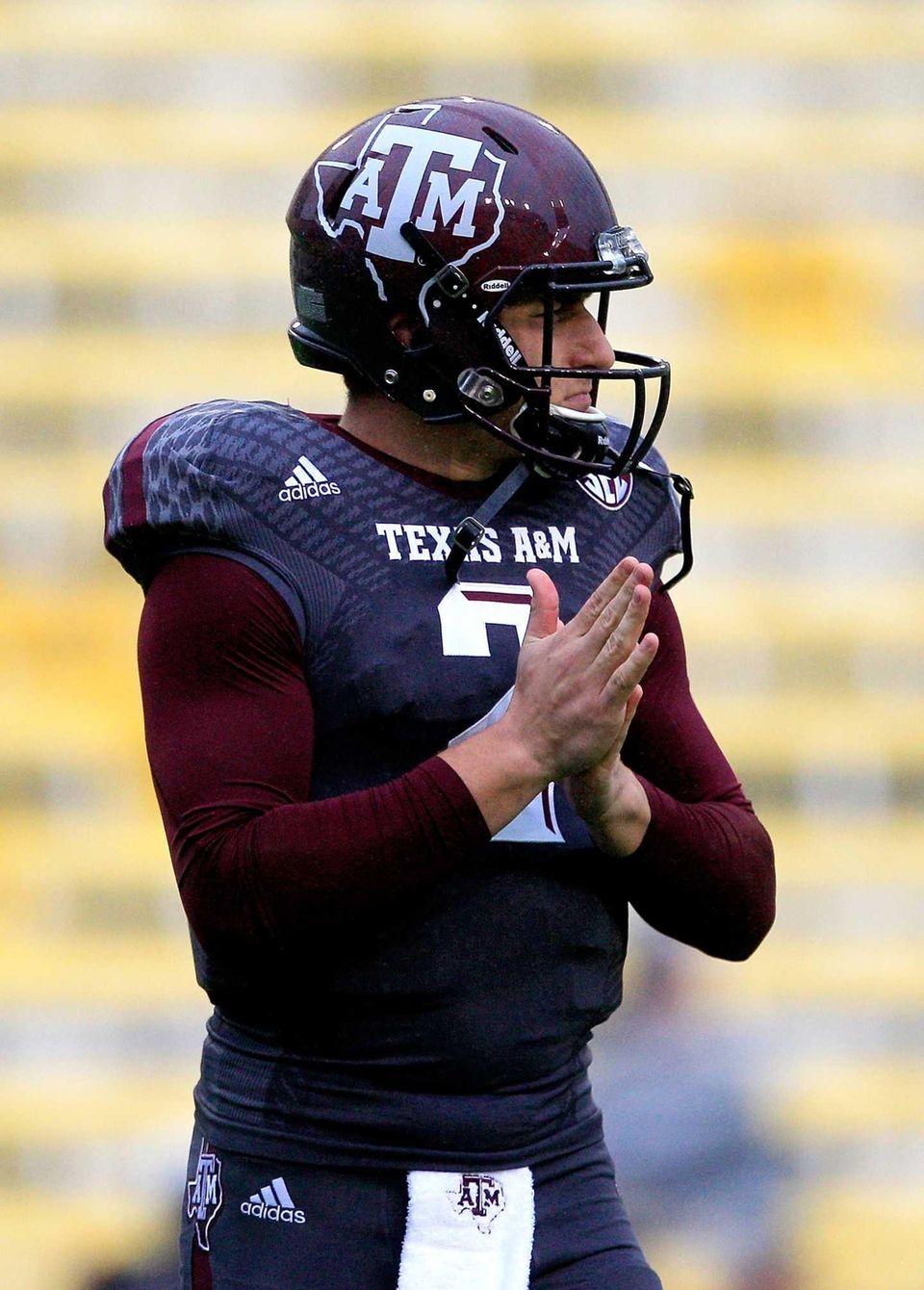 BATON ROUGE, LA - NOVEMBER 23: Quarterback Johnny