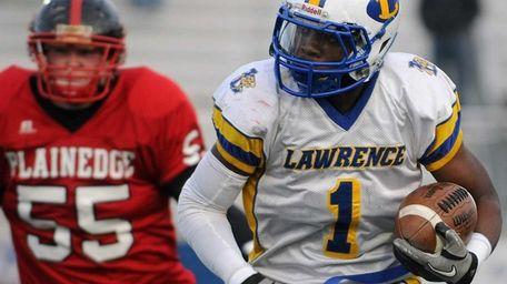 Lawrence's Jordan Fredericks runs upfield against Plainedge during