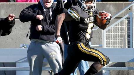 Sachem North running back Malik Pierre (no.5) scores