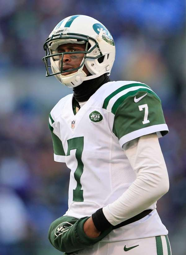 Geno Smith takes the field during the fourth