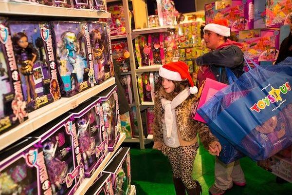 Toys R Us' Black Friday sales begin on