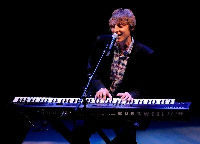 Eric Hutchinson BIGGEST HIT: