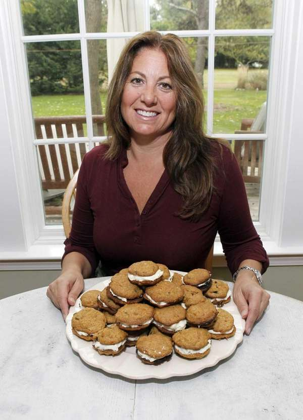 Kim Manowitz and her gourmet healthy carrot cookies,