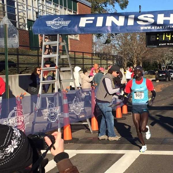 Stephen Sambu, 25, of #Kenya, beat the record