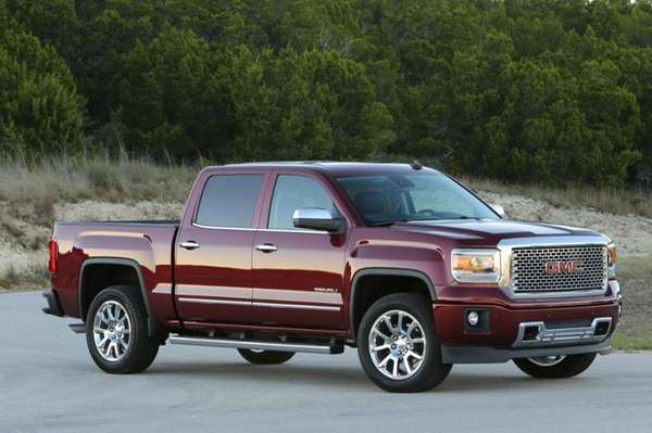 On the 2014 GMC Sierra full size pickup,