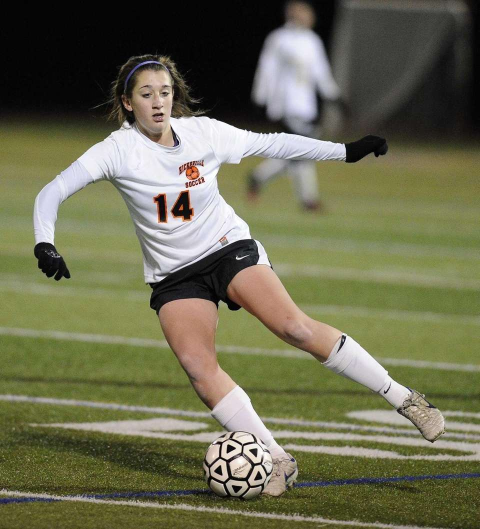 Nassau County Team Two's Courtney Locurcio switches direction