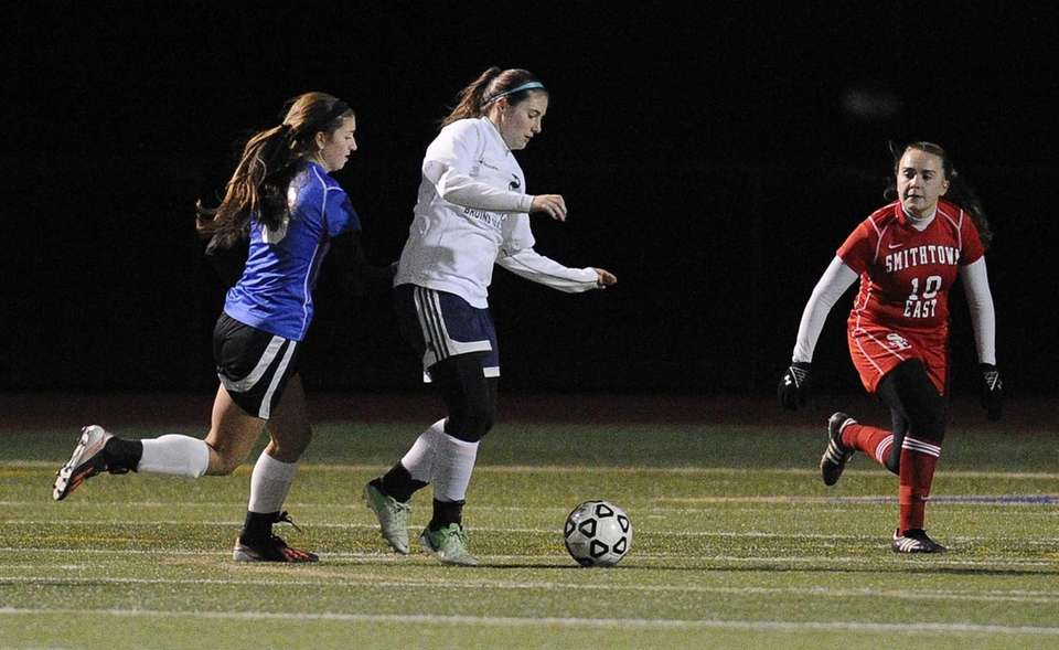 Nassau County's Alyssa Gangi sets up her game-winning