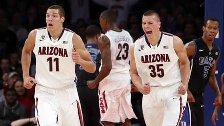 best sneakers fe923 b6a8d Arizona's late burst enough to top Duke at Garden | Newsday