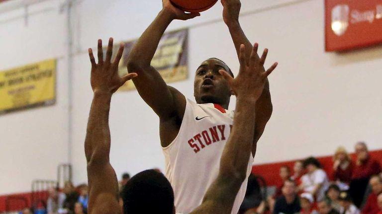 Stony Brook's Anthony Jackson (4) puts the jump