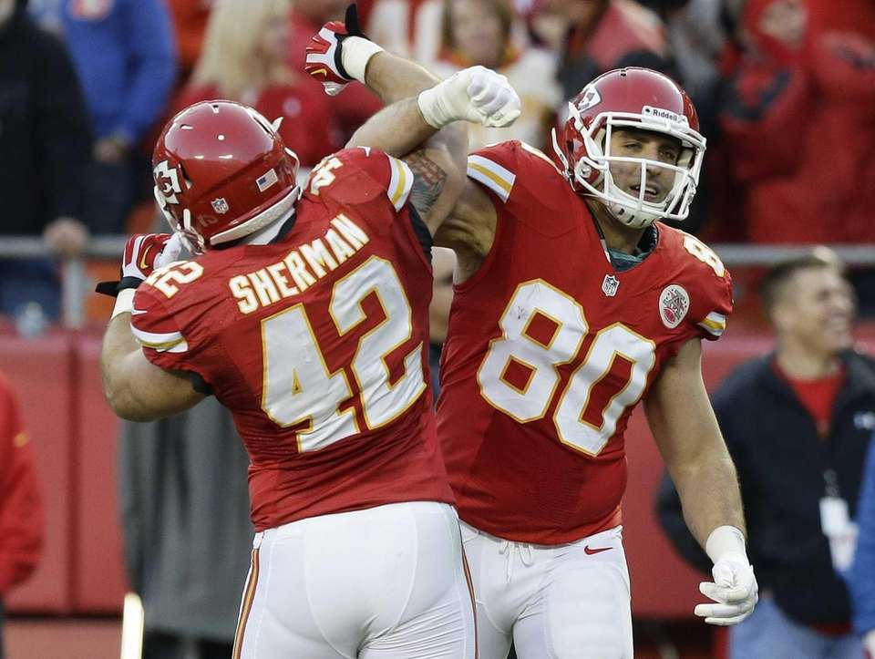 Kansas City Chiefs tight end Anthony Fasano (80)
