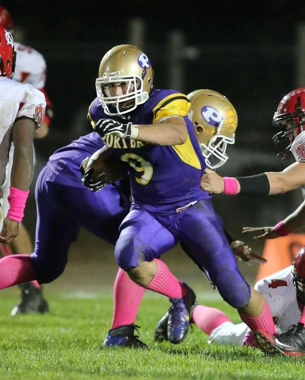 Greenport/Southold running back Jared Schenone grinds out yardage