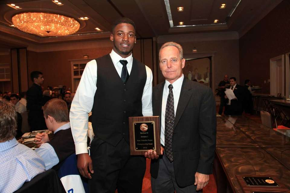 Division I Most Valuable Player From Left; Juwan