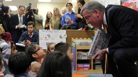 Mayor elect Bill De Blasio visits the Northside