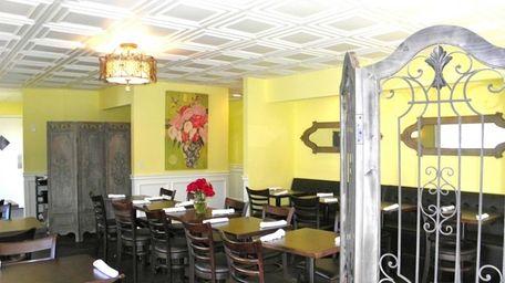 Morning Rose Cafe in Bellmore serves breakfast and