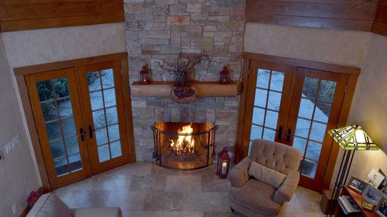 Long Island Homes With Unique Fireplaces For Sale Newsday