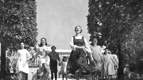 "Julie Andrews and cast in ""The Sound of"