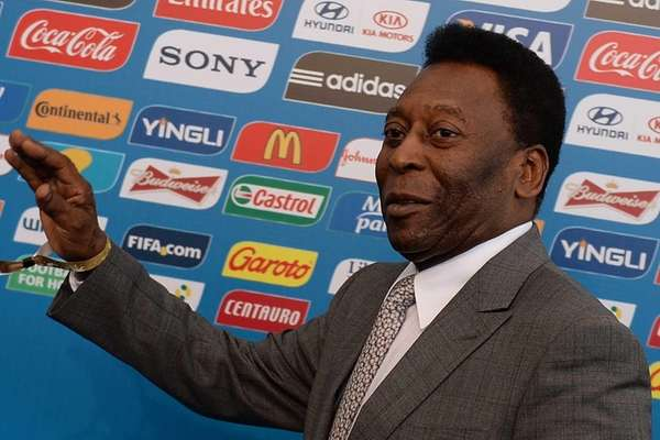 Brazilian soccer legend Pele arrives for the final