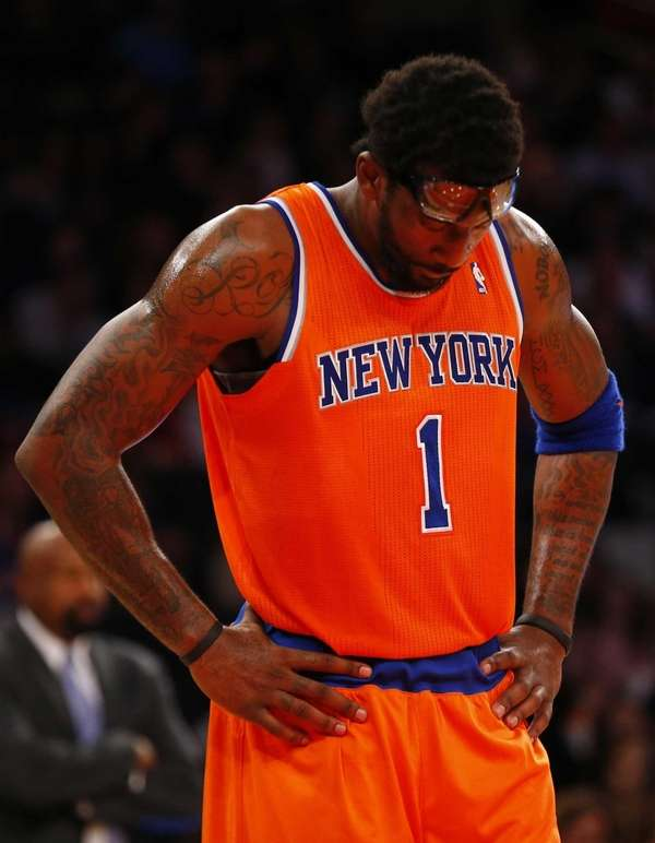 Amar'e Stoudemire looks on in the final seconds