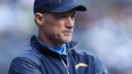San Diego Chargers offensive coordinator Ken Whisenhunt looks