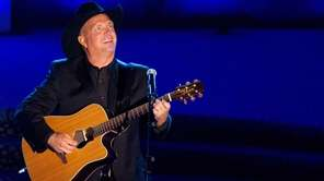 Garth Brooks performs at the 42nd Annual Songwriters