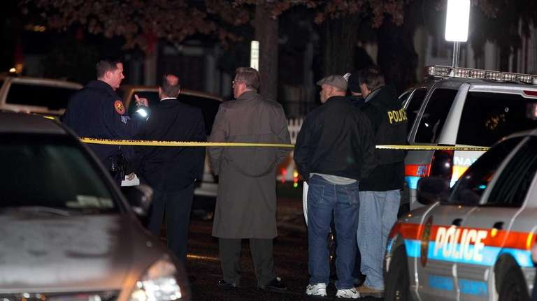 Police and detectives search Charles Street in North