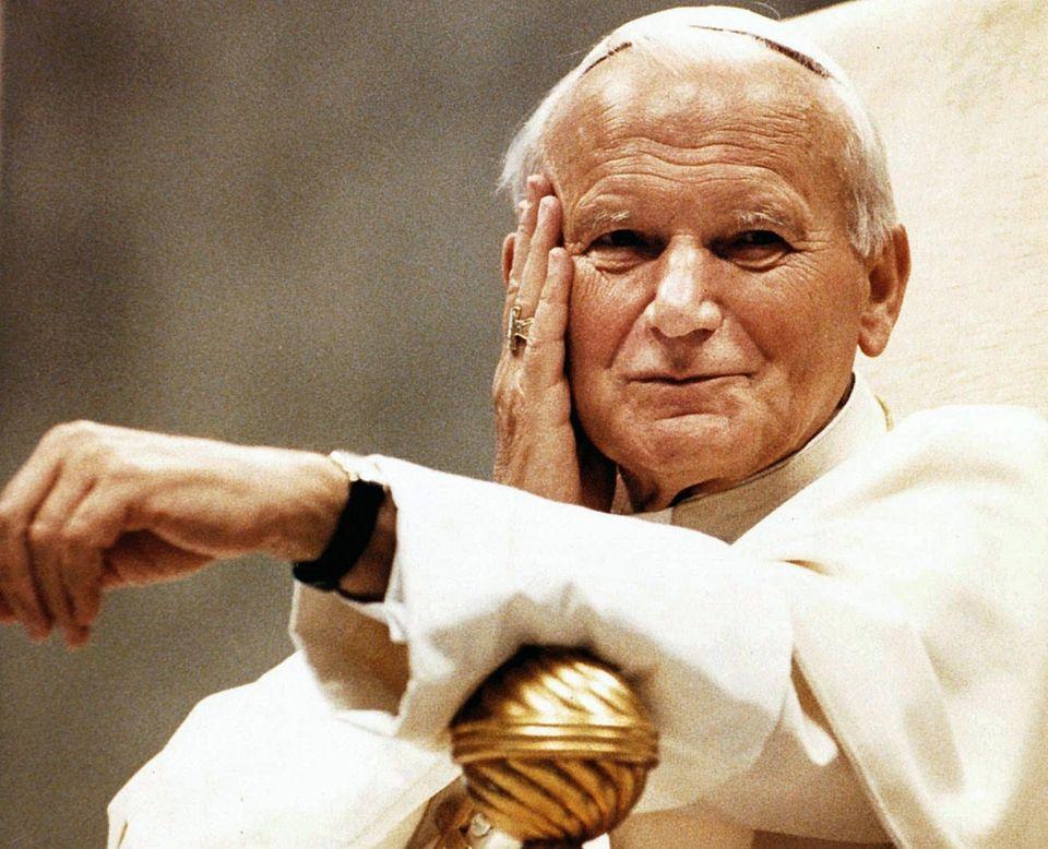 1994: Pope John Paul II