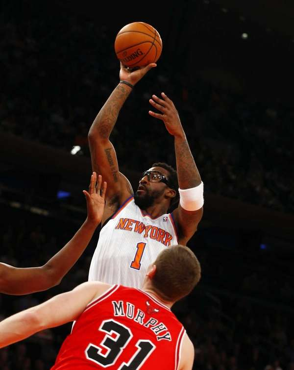Amar'e Stoudemire of the Knicks puts up a