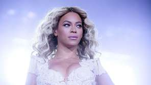 Beyoncé performs a show on her