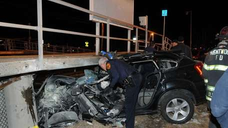 The driver of a Dodge Caliber lost control