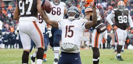 Chicago Bears wide receiver Brandon Marshall signals touchdown
