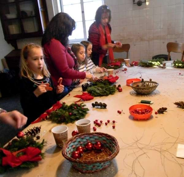 Old Westbury Gardens hosts a wreath-making workshop on