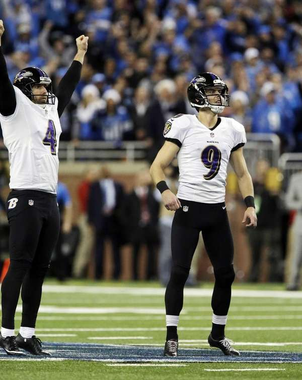 Baltimore Ravens kicker Justin Tucker (9) and place