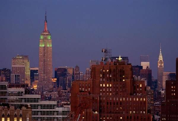 The Empire State Building's first-ever Christmas light show