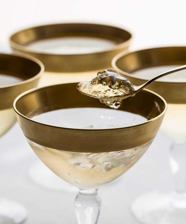 To make Champagne gelée for New Year's Eve,