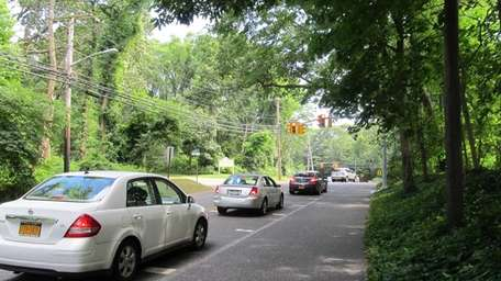 New traffic signals on Round Swamp Road are