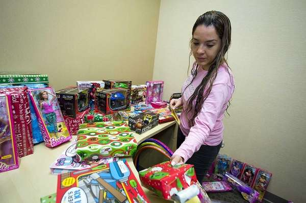 Brentwood resident Osorno shops for free Christmas gifts