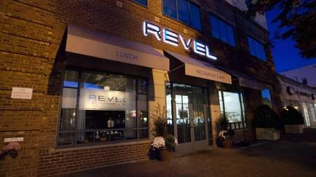 Revel in Garden City will be serving desserts