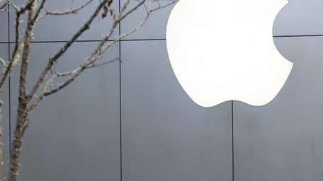 Apple hopes to win over new users with