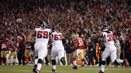 San Francisco 49ers linebacker NaVorro Bowman (53) runs