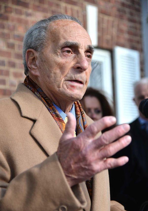 Smithtown Supervisor Patrick Vecchio, 83, Long Island's longest-serving