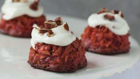 The red velvet macaroon recipe can be found