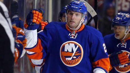 Thomas Vanek of the Islanders celebrates his second-period