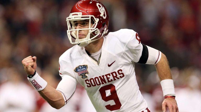 Trevor Knight of the Oklahoma Sooners celebrates a