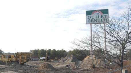 Construction of a BJ's Wholesale Club is under