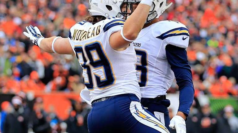 San Diego Chargers running back Danny Woodhead celebrates