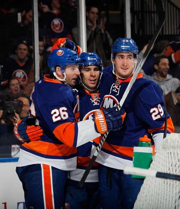 From left, Thomas Vanek #26, John Tavares #91