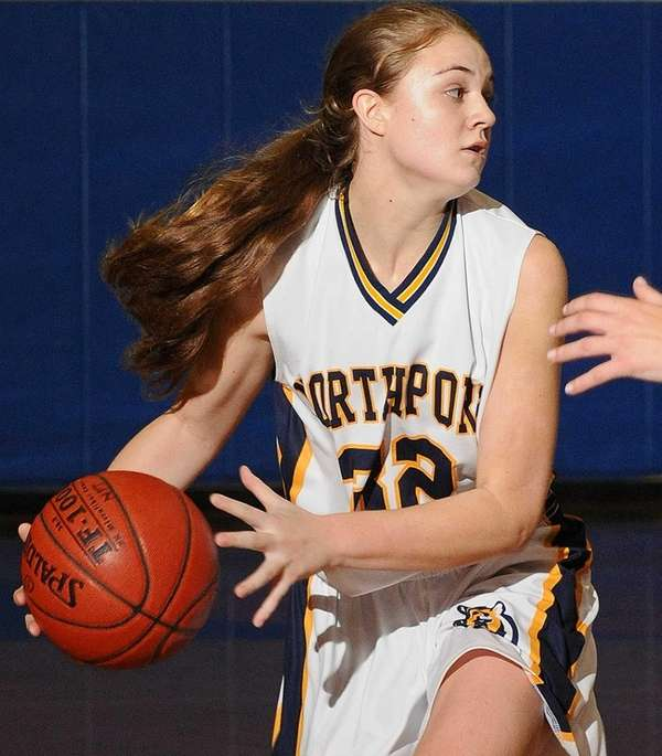 Northport's Sarah Simmons looks to pass during the