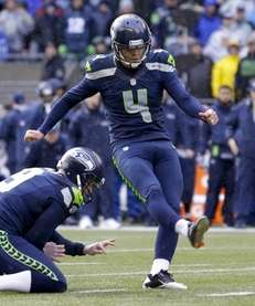 Steven Hauschka kicks a 38-yard field goal from